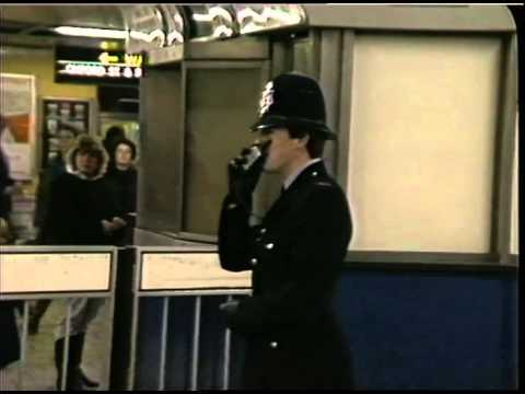UNDERGROUND STATIONS: Oxford Circus: Police