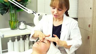Diagnosis and Facial Massage Techniques
