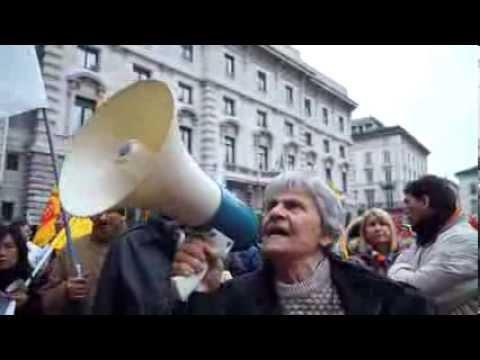 Diritto alla Casa manifestazione Milano 23 11 2013   corteo e interviste   CLANDESTINO 2013