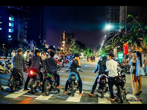 Đua Xe Náo Loạn Phố Đi Bộ – Sài Gòn 2015 (Photo VNRCB)