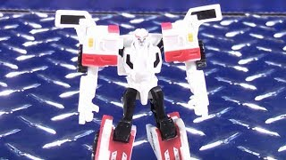 TRANSFORMERS ROBOTS IN DISGUISE LEGENDS CLASS AUTOBOT RATCHET VIDEO TOY REVIEW