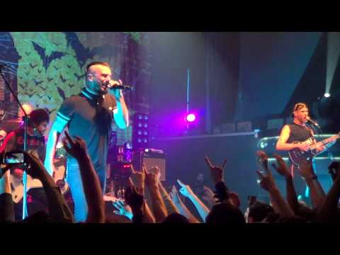 killswitch-engage---self-revolution-(live-in-minsk---03.03.14)