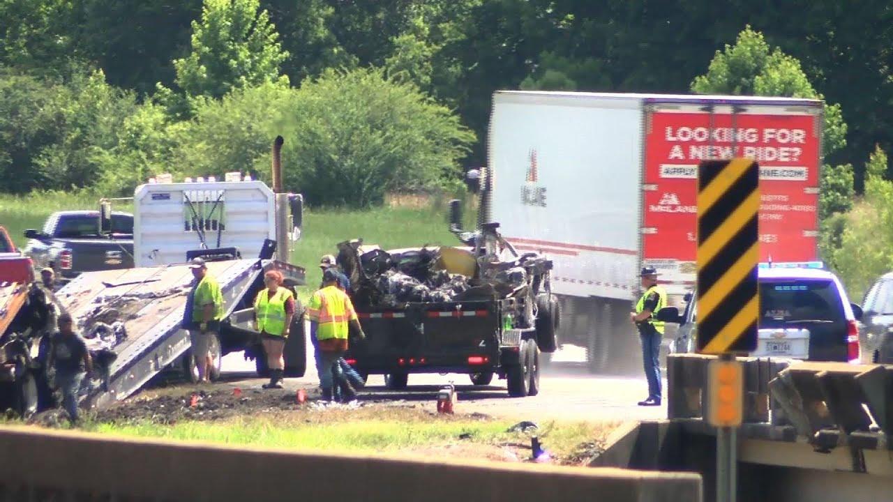 Download 8 children in van killed in crash in Alabama