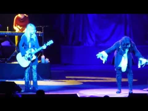 """Heart """"Alone"""" Live Montreal June 14 2014"""