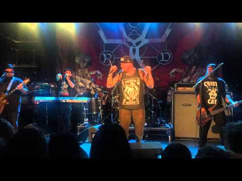 P.O.D - This Goes Out To You (Manchester Academy 2 - 16th May 2015)