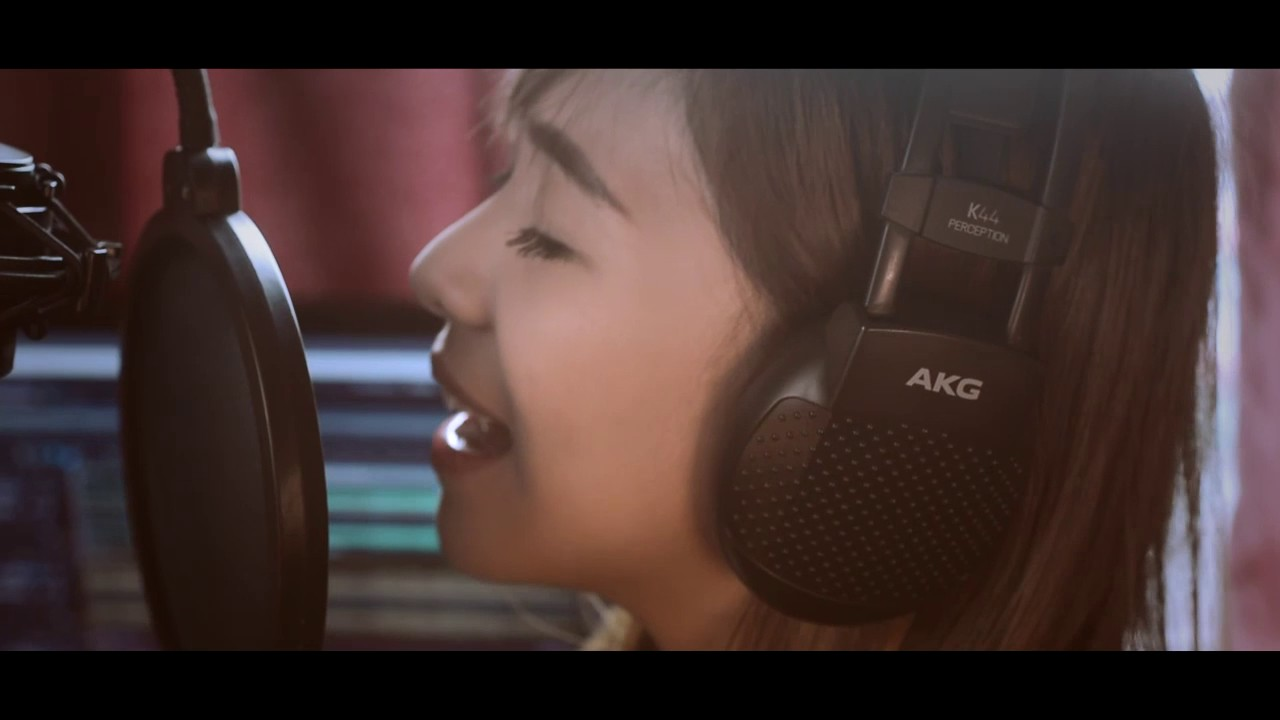 Chandelier (Sia) - Cover by Faye Padin - YouTube
