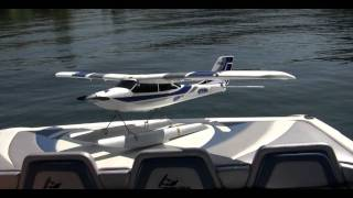 Apprentice RC Plane on Floats - Maiden Water Flight