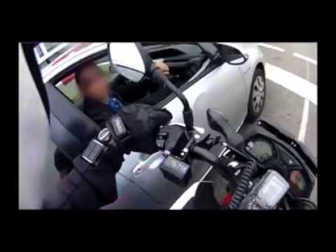 Undercover Motorcycle Cop Pulling Over Phone Users streaming vf
