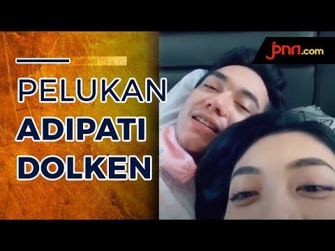 Peluk Mesra Canti Tachril, Adipati Dolken Bikin Fans Patah Hati