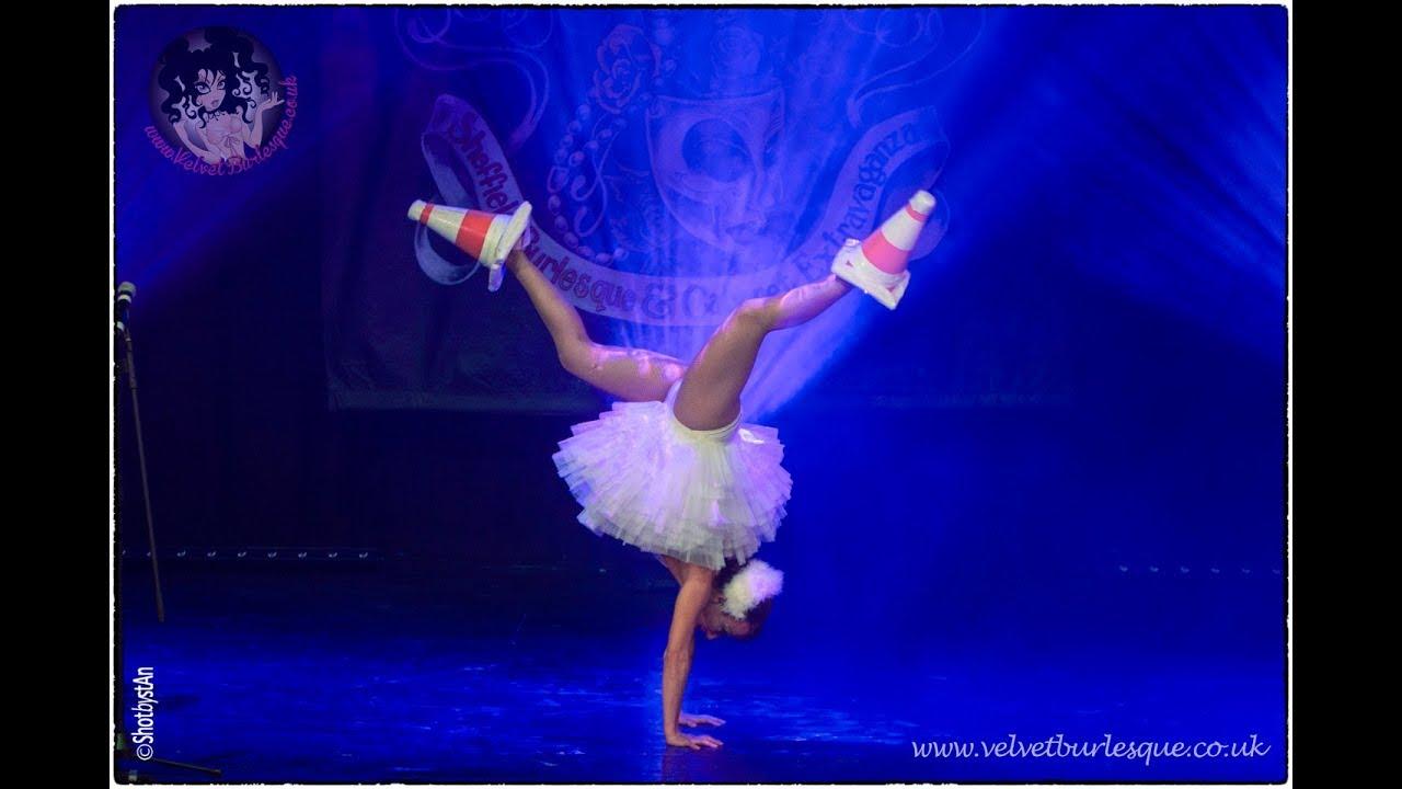 "Abigail Collins - ""Swan Lake"" at Sheffield Burlesque & Cabaret Extravaganza 2017"