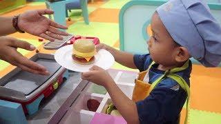 Drama Anak Jadi Pedagang Burger, Penjual Bunga, & Pedagang Sushi