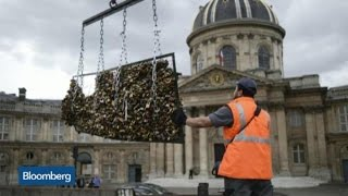 Top Photos: Safety Cited in Pont Des Arts Padlock Removal