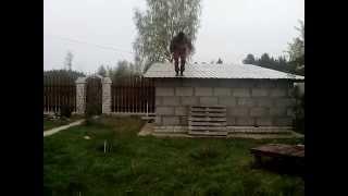 как прыгнуть с крыши и не разбиться. Прыжки с крыши. Часть 1