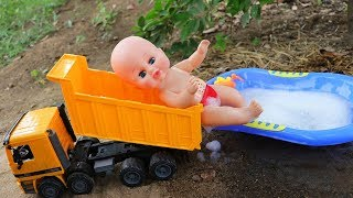 Construction vehicle and Baby Bath   Excavater, Dump truck, Fire truck ,crane.