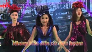 """Diễn viên Cát Tường khuấy động sân khấu với """"vũ điệu Cung Nhân Mã"""" cực hot"""