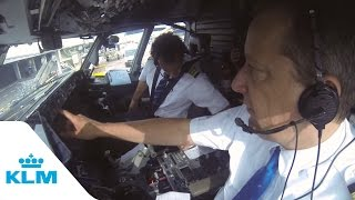KLM Cockpit Tales: Part 1 - Autopilot in action