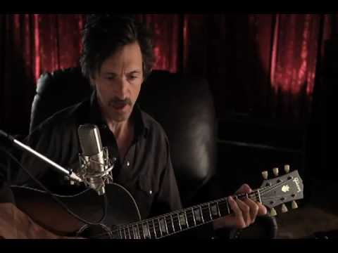 MARTHA MARCY MAY MARLENE: John Hawkes sings