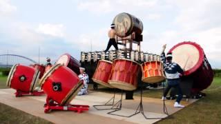 2012年8月4日に開催された「ふじかわ夏まつり」での鬼太鼓座演奏の模様...