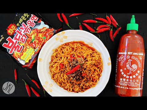 Korean Spicy Noodle + Thai Chili + Sriracha Challenge 불닭볶음면 도전!