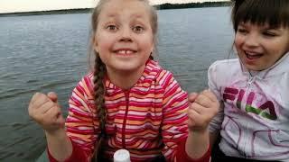 Дети на рыбалке с ночёвкой на озере Май 2020