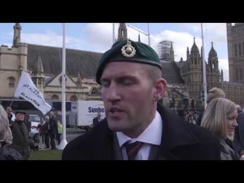 Sgt Alexander Blackman: Military personnel defy MoD in march for jailed marine