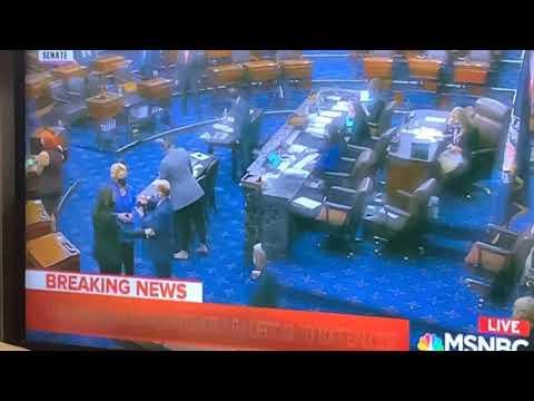 Lindsey Graham Fist-Bump With Kamala Harris Shows Being U.S. Senator's Like Acting: See Paul Ryan