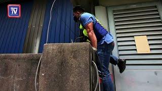 Polis panjat tembok kilang kayu, bongkar kegiatan beroperasi tanpa kebenaran