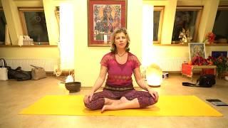 Йога для начинающих. Занятие 2.  | Виктория Даракова Yantra.lv в центре Shakti