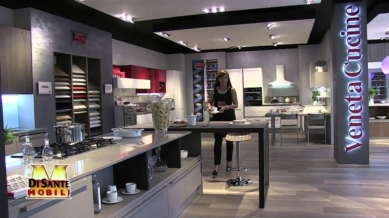 Barbieri inaugurazione show room veneta cucine di sante for Design di showroom di mobili