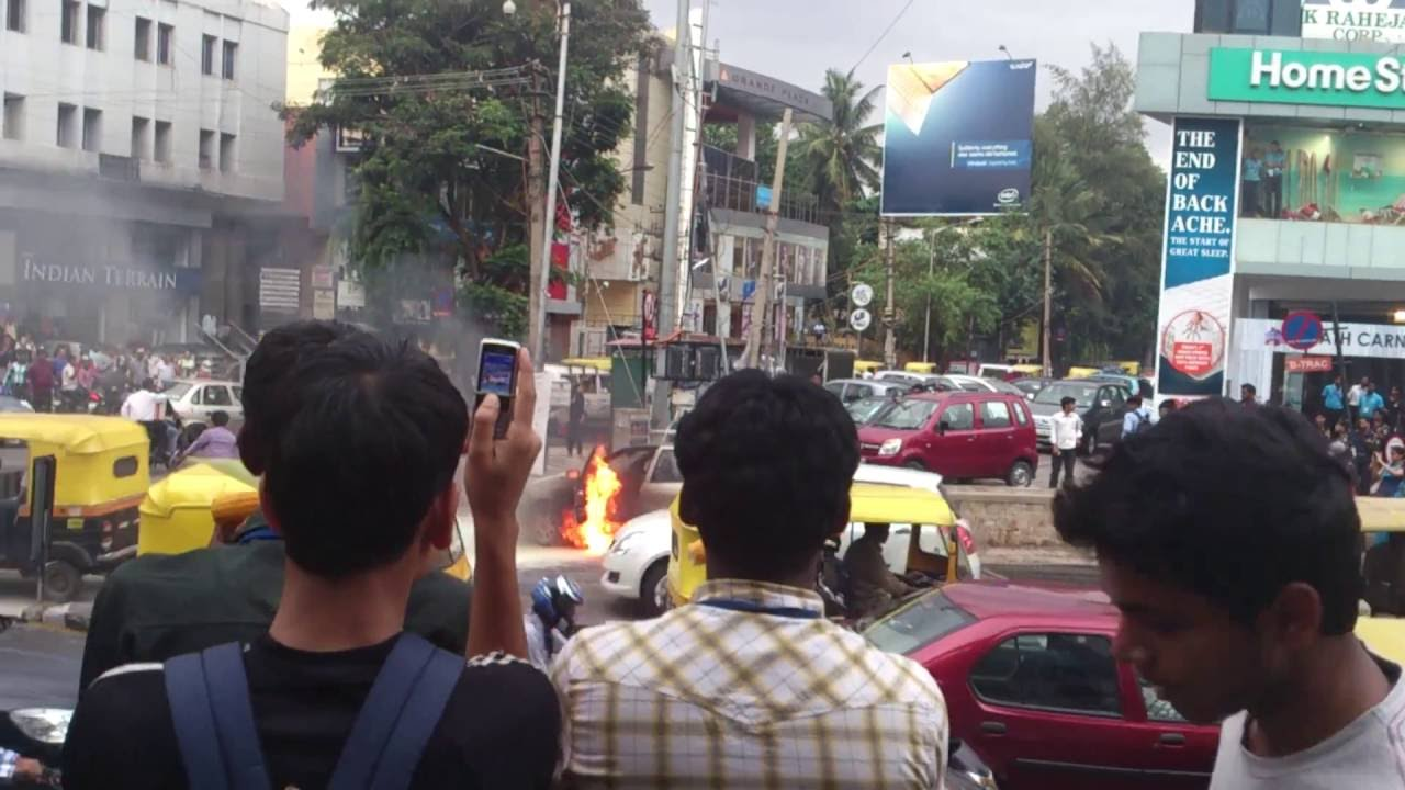 car on fire in bangalore