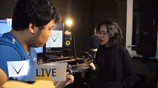 Tháng Tư Là Lời Nói Dối Của Em - VIETCOVERSQUAD (English Cover By OLIA HOÀNG) | LIVE SESSION