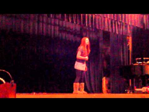 Carly Brooke singing