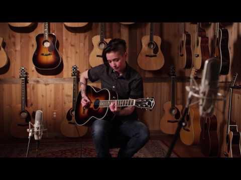 Nouveauté Fender: Jen Trani découvre la série Paramount (VO)