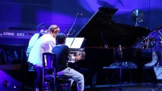 1台のピアノを4人で! 弾いちゃいました!素晴らしいアレンジです! 編...