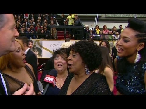 20 Feet From Stardom stars sing on red carpet