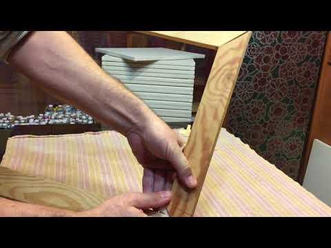 видео: подтяжка холста или как правильно установить клинья в подрамник