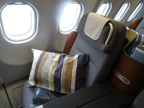 Lufthansa (Economy and Business)   Cpoenhagen-Munich-Los Angeles   E195/A340-600