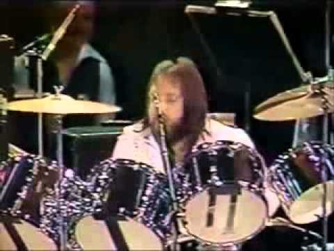 Ronnie Tutt drum solo 1977 Elvis in concert