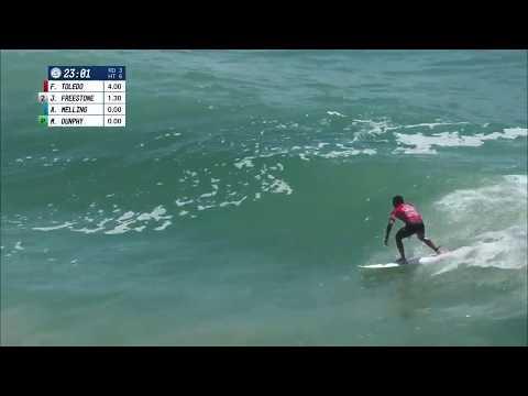 Filipe Toledo Keeps Steady Pace