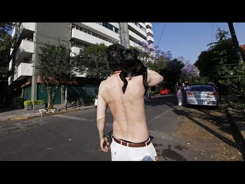 [Raw] ACAPULCO, Mexico Earthquake 2014:  Panicked People into The Streets
