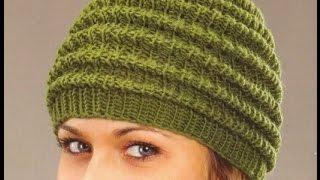 Вяжем простую женскую  шапочку - гусеницу спицами ПОШАГОВО