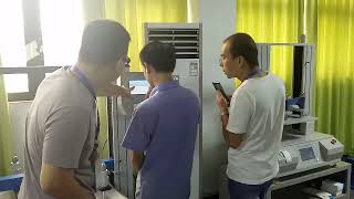 Hong Kong customers visit our company for product testing