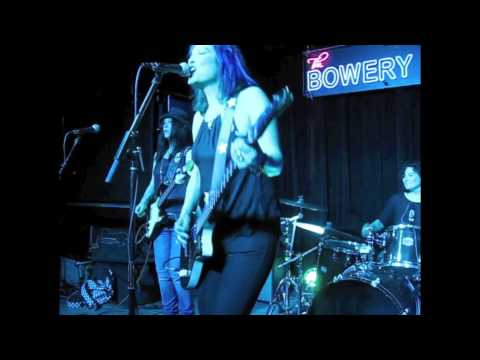 """The Bluebonnets """"You Can't Stop The Honey"""" Live in NYC April 30, 2015"""
