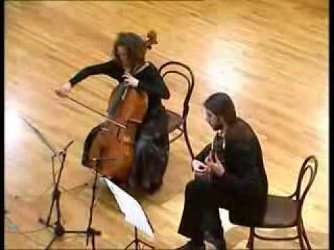 Monika Leskovar , violoncelo & Petrit Çeku , gitara