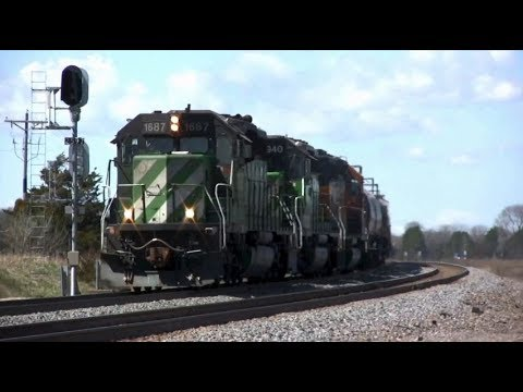 BNSF 1687 with a Prime 920 horn - YouTube