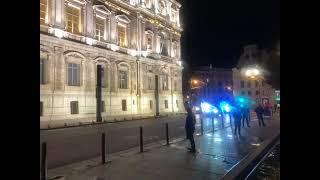 Emmanuel Macron  à Marseille : le président est arrivé en préfecture