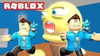 MY TWIN AND I ESCAPE AN ICE CREAM STORE IN ROBLOX! | MicroGuardian