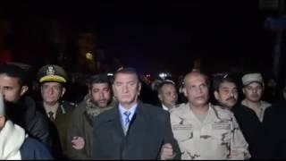 بالفيديو.. محافظ كفر الشيخ يتقدم جنازة شهيد العريش بقرية
