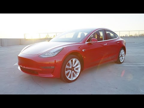 Driving a Tesla Model 3! [Auto Focus Ep. 1]