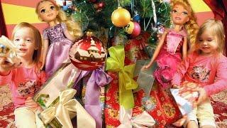 Подарки под елкой от Деда Мороза на Новый Год куклы Принцессы Диснея Распаковка Christmas gifts